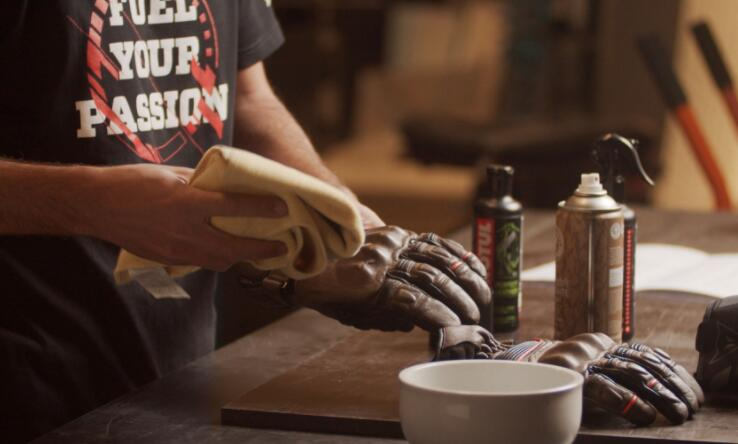 how to clean leather work gloves