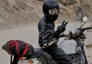 what is the best brand pf adventure motorcycle gloves