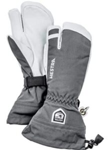 hestra snowboard gloves with high dexterity