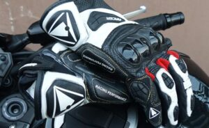 what to consider when buying an adventure motorcycle glove
