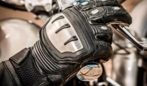 tips on wearing summer motorcycle gloves