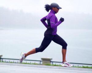 women's running hat and gloves