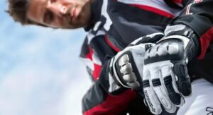 how to choose the best summer motorcycle gloves