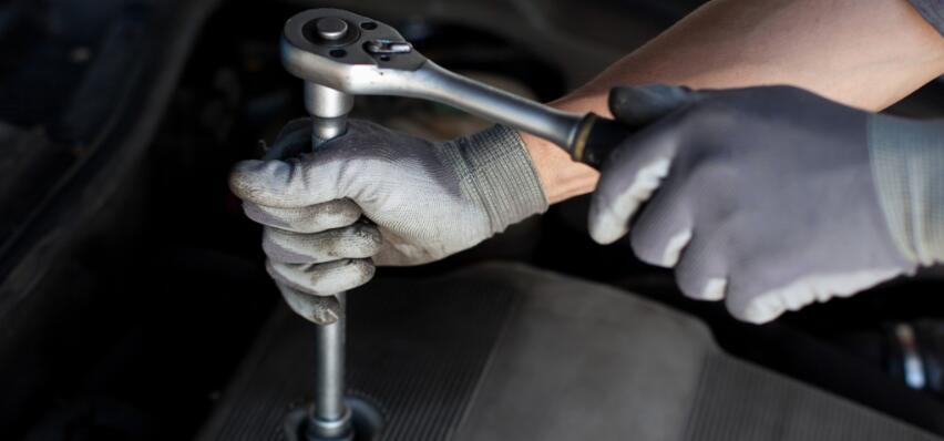black mechanic disposable gloves